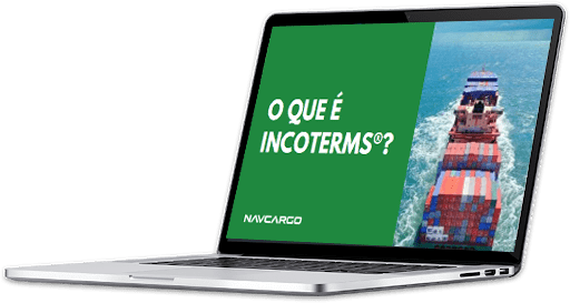 Computador Visualizando o E-book Incoterms 2020